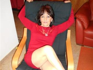 CindyCreamy - online chat sexy with this European Lady over 35