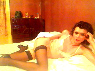 Lili69 - Chat live hot with this ordinary body shape Lady over 35