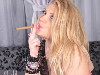 PoisonnBeauty - Show sexy et webcam hard sex en direct sur XloveCam®