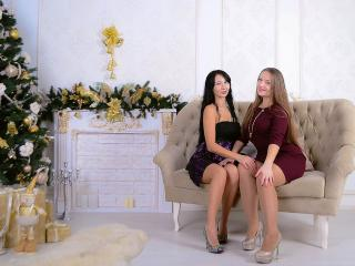 NikaXRysa - Webcam live hard with this black hair Girl on girl