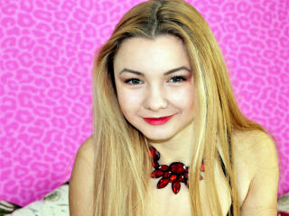CecileU - Sexy live show with sex cam on XloveCam®