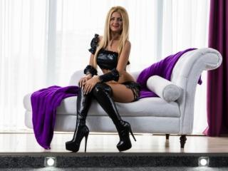 Sabinne - Sexy live show with sex cam on XloveCam®