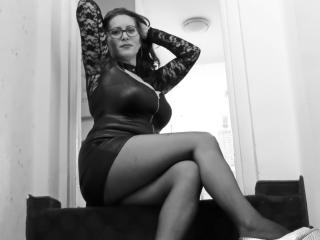 HairySonia - Webcam live hard with this unshaven pussy Sexy mother