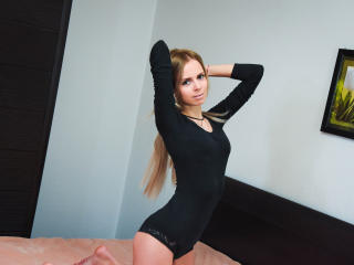 Gallery picture of JolyCute69