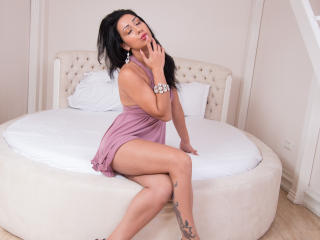 AmazingErika - Sexy live show with sex cam on XloveCam®