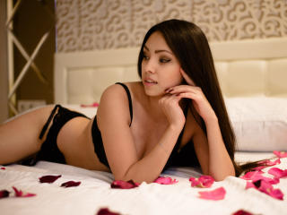 SaimonaSweet - Sexy live show with sex cam on XloveCam®