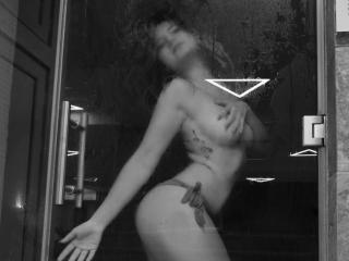 CarolineRoyall - Sexy live show with sex cam on XloveCam®