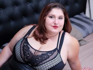 ReddAdele - Show live sexy with a European Girl