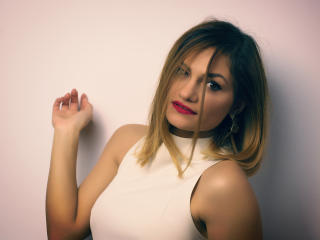 CorrieAnn - Show sexy et webcam hard sex en direct sur XloveCam®