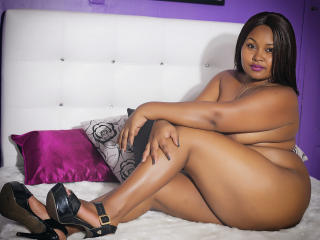 KiaraBlack - Show sexy et webcam hard sex en direct sur XloveCam®