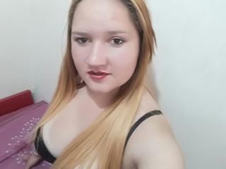Sexy nude photo of AnalyHott