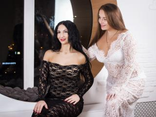 NikaXRysa - Chat live sex with a regular body Woman having sex with other woman
