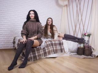 NikaXRysa - online show sex with a standard body Lesbian