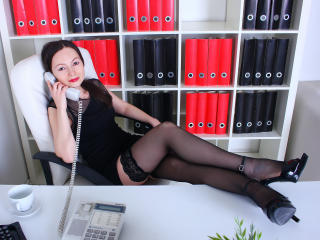 FlowerKat - online show hard with a black hair Sexy lady