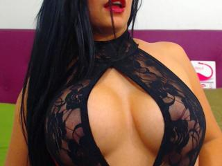 HannaBoobsX - Live chat hot with this dark hair College hotties