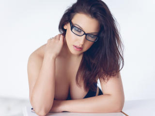 NikitaMezzardi - Show sexy et webcam hard sex en direct sur XloveCam®