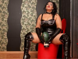 BustySubAmy - Live chat nude with a enormous melon Mistress
