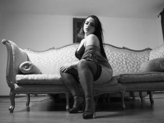 Reeyna - Chat cam sex with a standard body Girl