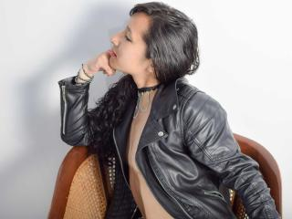 DeanTaylor - Chat live hard with a brunet Hot chicks