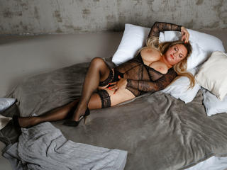 BeauxSeinsX - chat online sex with a platinum hair Lady over 35