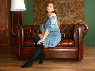 Sunsshineee - chat online sexy with this European Sexy girl