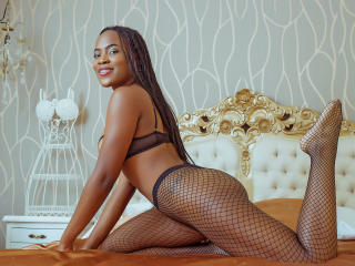 VeronicaMillerr - Live nude with this ebony Girl