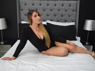 LorenihFlower - Live sex cam - 8118672