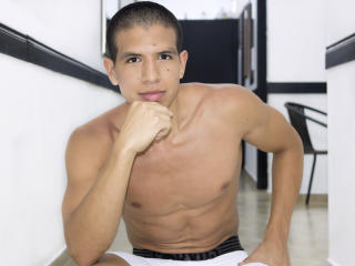 Picture of the sexy profile of MikeHask, for a very hot webcam live show !