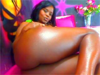 Picture of the sexy profile of ConnyHotty, for a very hot webcam live show !