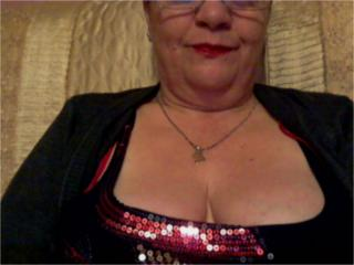 Picture of the sexy profile of MatureTeacherX, for a very hot webcam live show !
