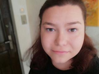 Photo de profil sexy du modèle JuliaJ69, pour un live show webcam très hot !