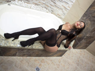 Photo de profil sexy du modèle CristalXlove, pour un live show webcam très hot !