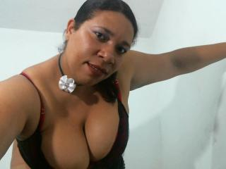 Picture of the sexy profile of TitsBigYummy, for a very hot webcam live show !