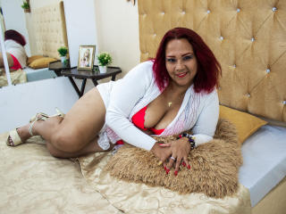 Photo de profil sexy du modèle BirdieDavis, pour un live show webcam très hot !