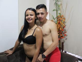 Foto del profilo sexy della modella CouplePervert69, per uno show live webcam molto piccante!