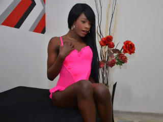 KamilaHotForU - Web cam sex with a charcoal hair Transgender