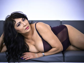 Photo de profil sexy du modèle SxyVivian, pour un live show webcam très hot !