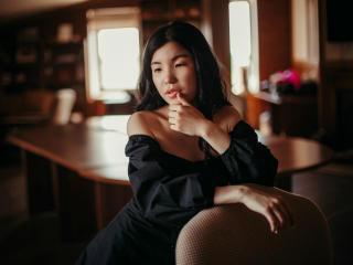 Foto del profilo sexy della modella LivingForLovee, per uno show live webcam molto piccante!