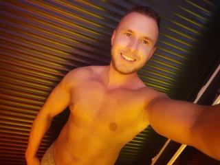 Model MikeSmithX'in seksi profil resmi, çok ateşli bir canlı webcam yayını sizi bekliyor!